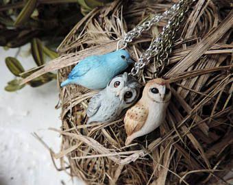Schattig weinig vogels ketting, kleine vogel hanger, uilen sieraden, sieraden van polymeer klei, Hand gebeeldhouwd kleine vogels, vogel minnaar cadeau