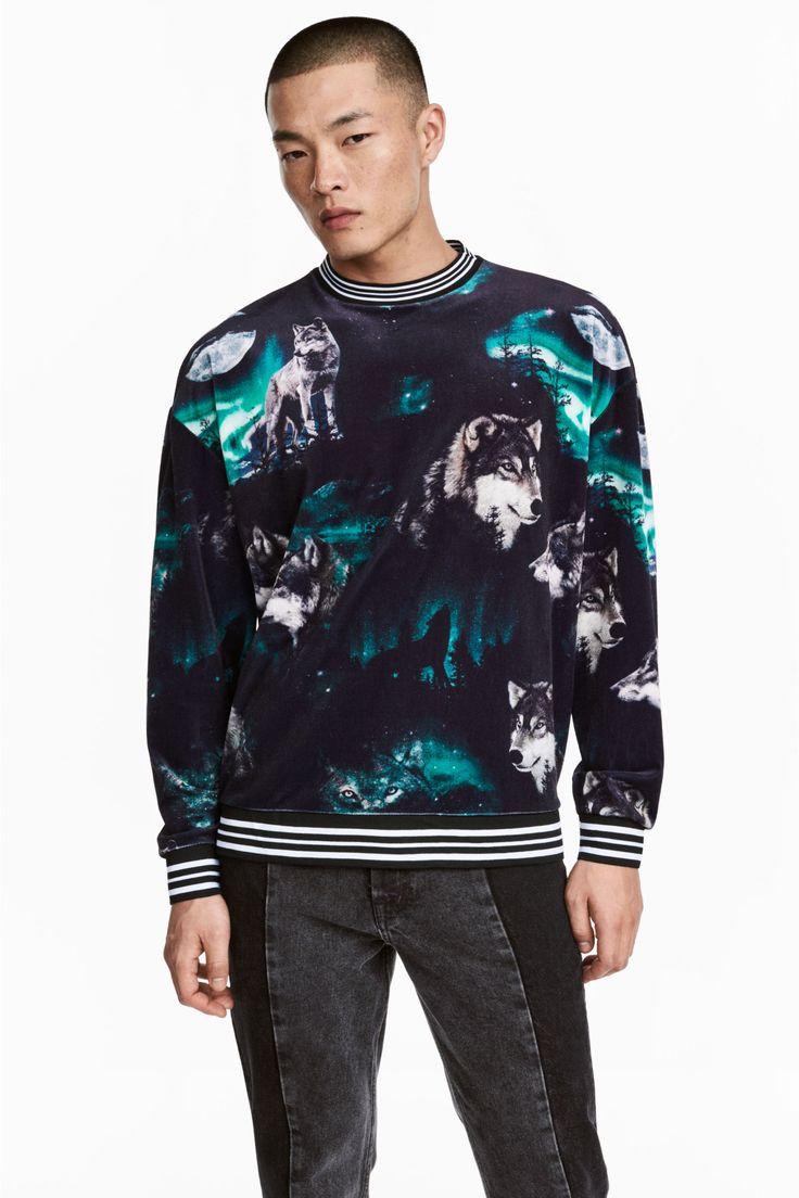Velour sweatshirt - Black/Wolves - Men | H&M
