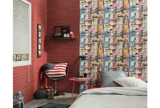 Coole Kombination aus Tapeten in Ziegestein- und Holzoptik. Die roten Steine wirken täuschend echt.   #Tapete #Stein #Ziegelstein #Design #Wohnzimmer #Schlafzimmer #echt #ascreation #hertie AS Création