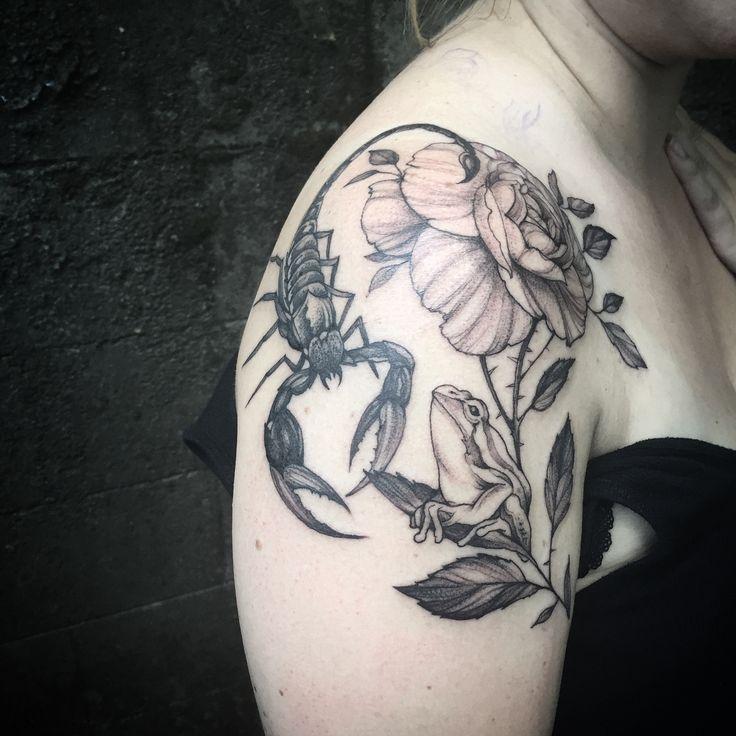 64 best best tree frog tattoo design ideas images on pinterest design tattoos tattoo designs. Black Bedroom Furniture Sets. Home Design Ideas