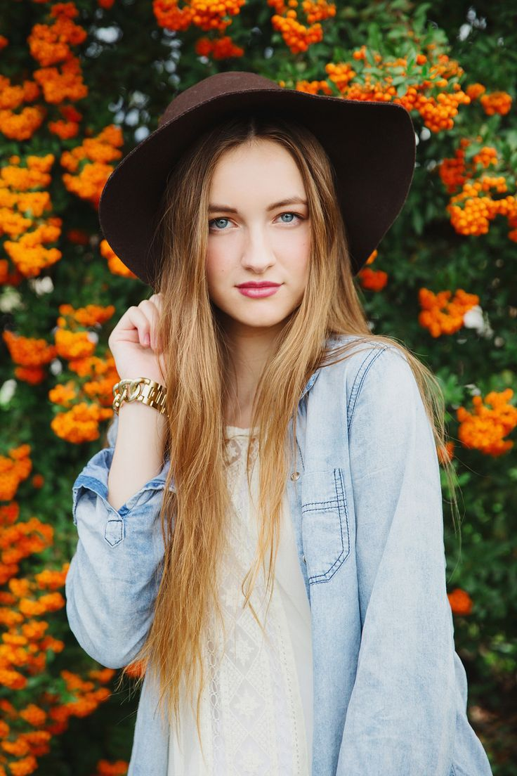 Cute senior pictures. Editorial. Stephanie Sunderland Photography. Film Photography. Utah Photographer. New York City Photographer. Teen Vogue Style.