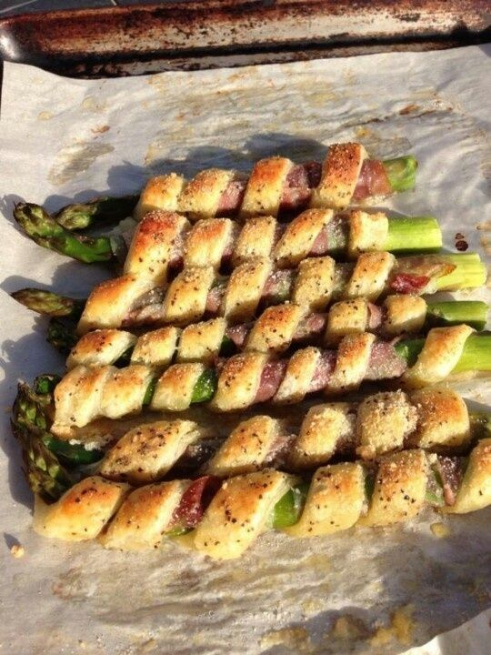 7. Bacon Asparagus Garlic Twists - 7 Summer Appetizer Ideas That Will Leave You Wanting More ... | All Women Stalk