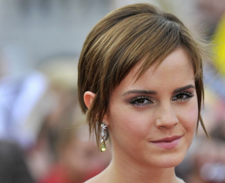 Emma Watson Growing Out Pixie | How to elegantly grow out a pixie cut. Thanks Emma.