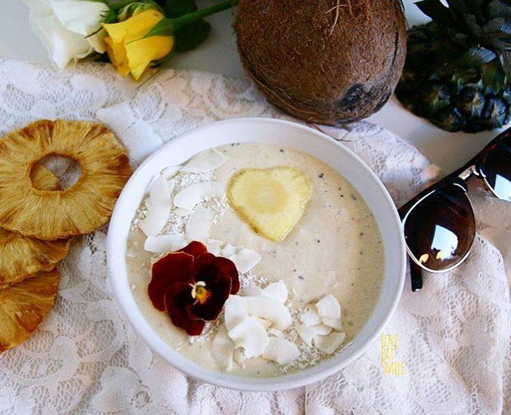 Pina Colada meets Coconut Dream! Vegan Smoothie to Kickstart the day!