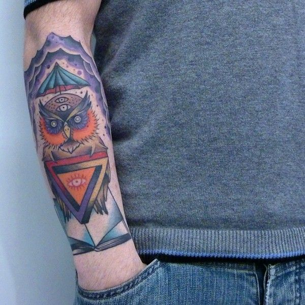 25 best eye triangle tattoo images on pinterest triangle tattoos tatoo and eyes. Black Bedroom Furniture Sets. Home Design Ideas