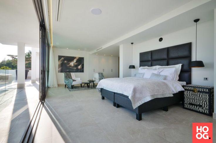 Slaapkamer inrichting met tweepersoons bed | | slaapkamer design | bedroom ideas | master bedroom | Hoog.design