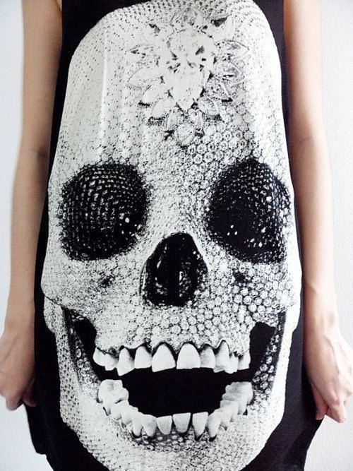 Skeletal print shirt. #fashion