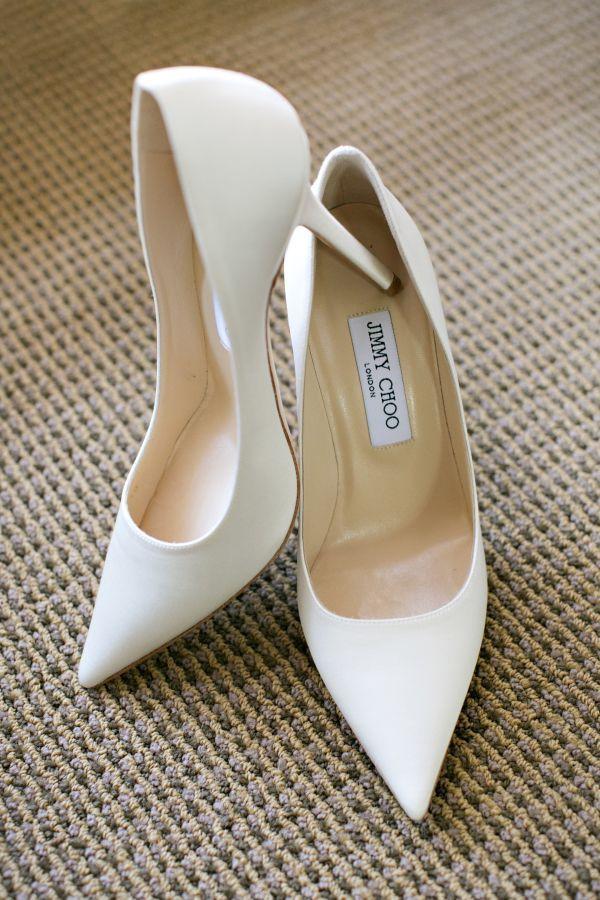 ebdab90a4c8c2 Pin de Branded Womens Fashion Catwalk en Jimmy Choo | White wedding ...