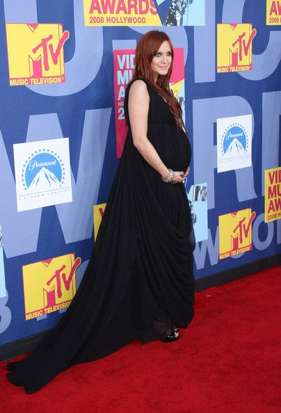 597225bfc4f Ashlee Simpson - The Best Red Carpet Maternity Style - Photos ...
