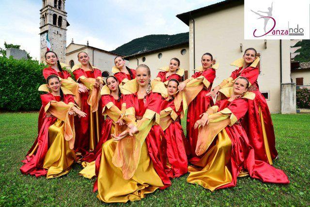 Associazione Danzando di Coredo  #festemadruzziane #calavino #turismo #enogastronomia #apt #ballimedievali
