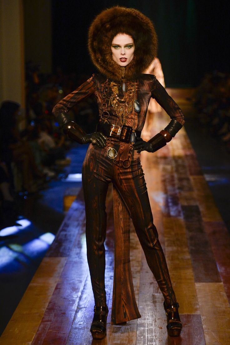 Watch Fendi Couture FallWinter 2015-2019 Collection video