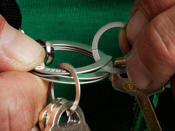 The Grommet team discovers FREEKey, a key ring you squeeze to open. This innovative easy open design saves your fingernails and patience when adding or removing keys.