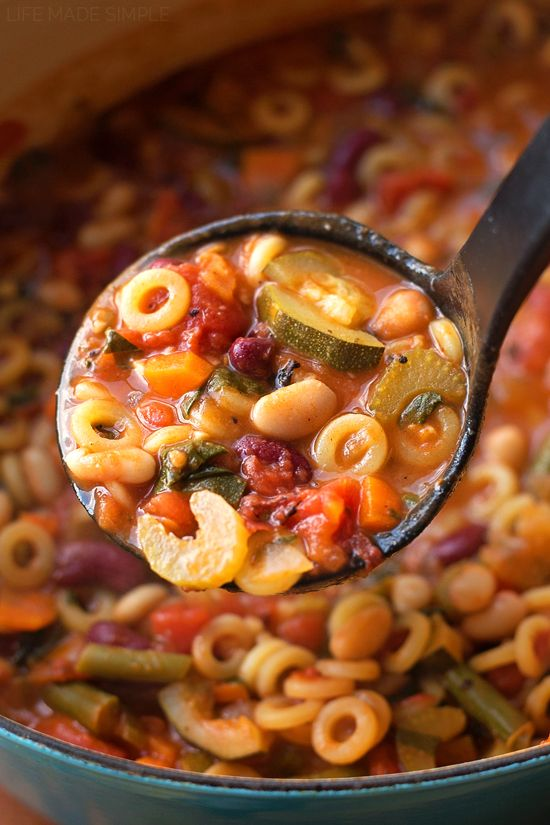✅This classic Italian recipe is a family favorite. My hearty minestrone soup is packed full of veggies and lots of flavor!