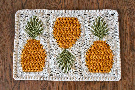 crochet placemat pattern - crochet pineapple pattern - Perfect Pineapples Crochet Placemat Pattern pdf file