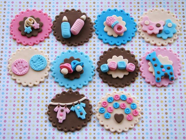 Ah-dorable baby cupcake toppers :) by Lynlee's Petite Cakes