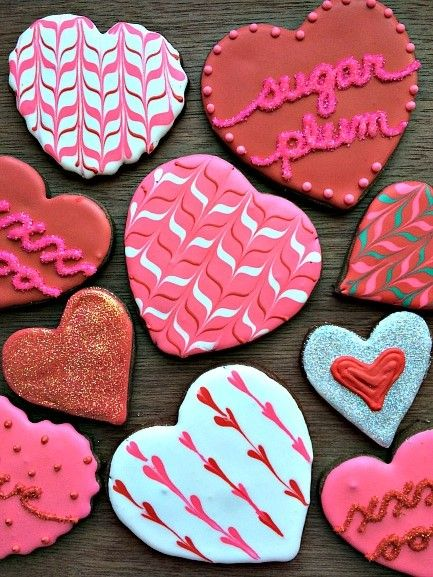 Heart-shaped decorated cookies for your Valentine