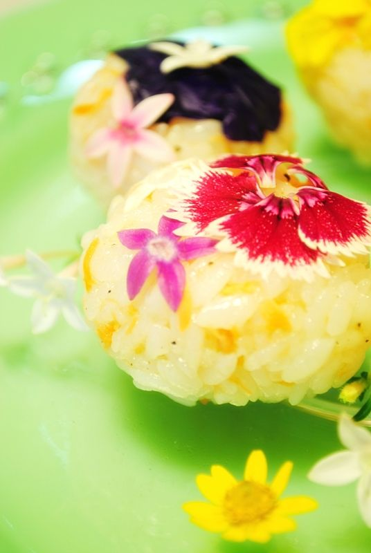 edible flower riceball...this may just look pretty...i wonder how it tastes.... possibly have some on hand for a brunch or light lunch or bridal or baby shower...or catering for a luncheon or wedding....