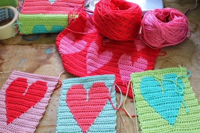 little woollie: pattern is here for the blanket