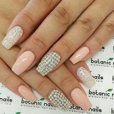 Pretty lace nail art