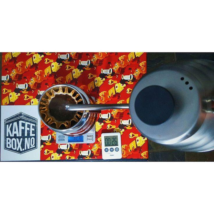 #latergram #specialtycoffee #thirdwavecoffee #manualbrewonly #alternativebrewing #kalitawave #kaffebox #kaffe #lippekaffe #pourover #yegcoffee #yegdt #hario #thingsaboutcoffee #manmakecoffee #blackcoffee #anakkopi #baristadaily #porlex #coffeesesh #coffeesubscription #coffebreak by patrick_j_nyb