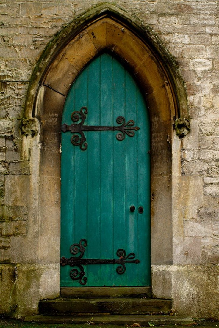 олицетворяет чистоту древние двери картинки один человек может