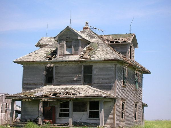 Garden grove iowa haunted house view original image haunted pinterest gardens cool - The house in the abandoned school ...
