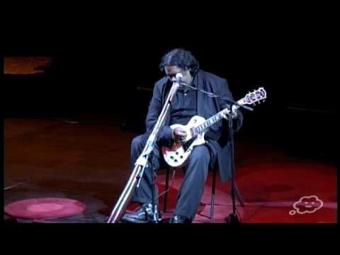 William Barton, not just a didjeridu virtuoso! Recorded playing didjeridu, electric guitar *and* singing at TEDxSydney 2010.