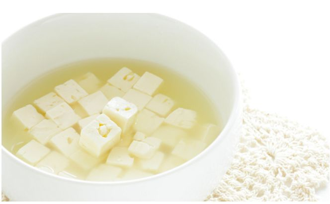 Κοινοποιήστε στο Facebook Πώς συντηρούνται τα τυριά άλμης Τυριά άλμης είναι η φέτα, ο τελεμές, το γιδοτύρι κι άλλα λευκά, σκληρά ή ημίσκληρα τυριά, με πλήρη ή με χαμηλά λιπαρά. Τα ελληνικά τυριά άλμης είναι μόνο μαλακά Τα τυριά αυτά,...