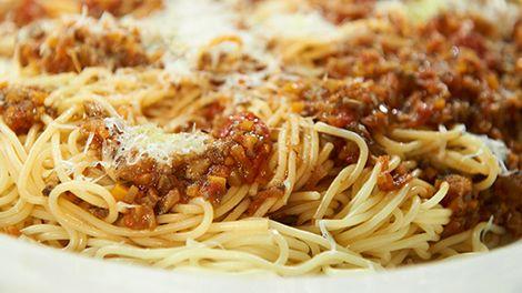Vegetarian Bolognese by Tim Mälzer  http://www.tim-maelzer.info/rezepte/vegetarisch-rezepte/2013/01/bolognese-vegetarisch/