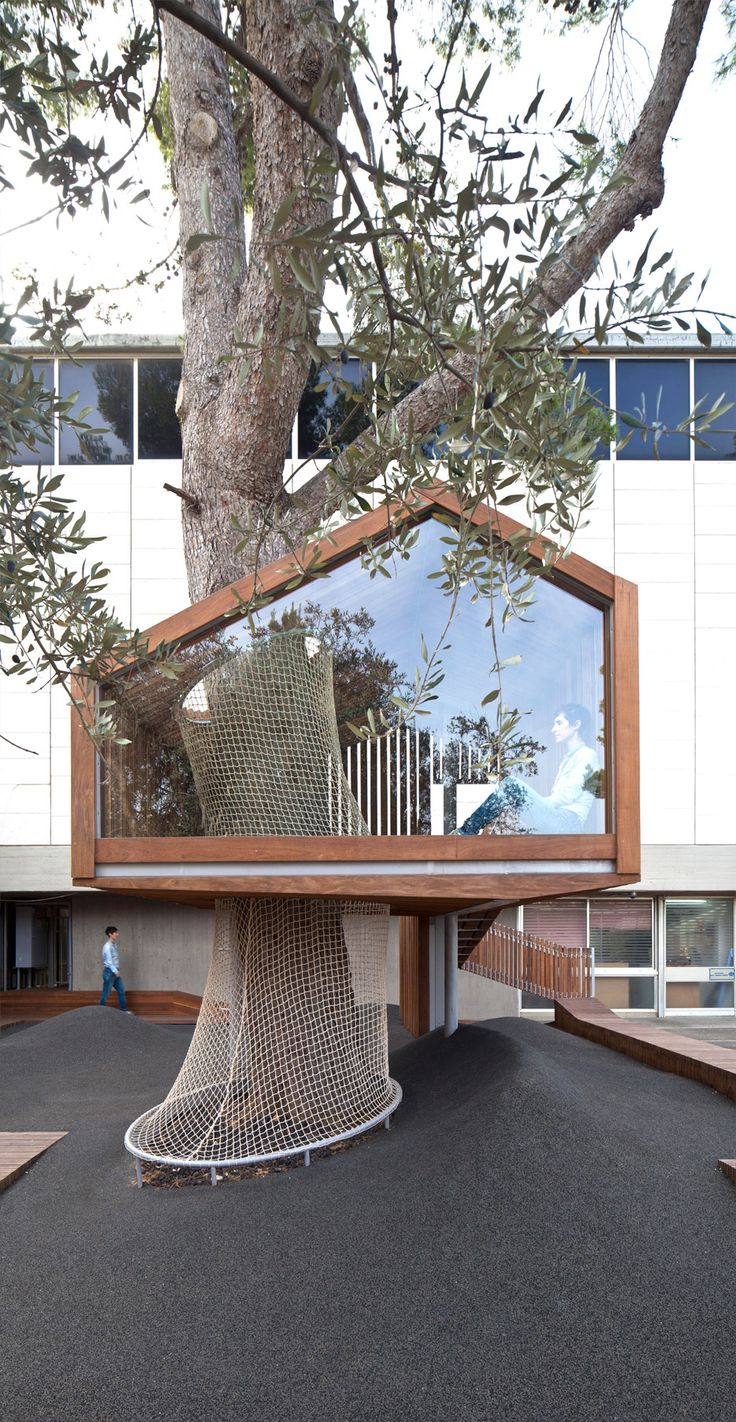 How to build an indoor tree house play loft and drill into the studs - Treehouse Installed In Israel Museum Playground