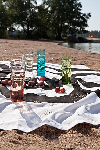Summer days and nights-- picnic, cherries and sweet kisses!