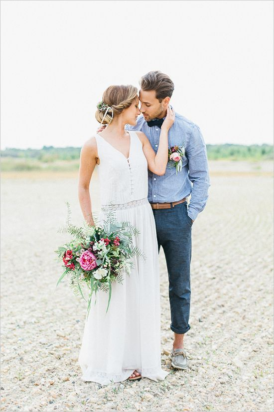 A wedding in the dessert isn't the usual route, but this gorgeous shoot illustrates how lovely it...