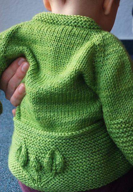 Ravelry: Petites Feuilles Cardigan pattern by Lisa Chemery no tiene explicaciones