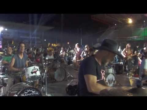 Rockin 1000 2016 - Led Zeppelin medley - Simone Busatti Bei drum cam - YouTube