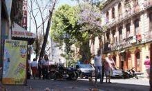 Un sismo de mediana intensidad remeció hoy a la Ciudad de México, sin que se reportaran de inmediato daños mayores, pero sí evacuaciones de edificios y escenas de angustia, informaron autoridades y testigos. Ver más en: http://www.elpopular.com.ec/49360-sismo-remece-mexico-desalojan-algunos-edificios.html