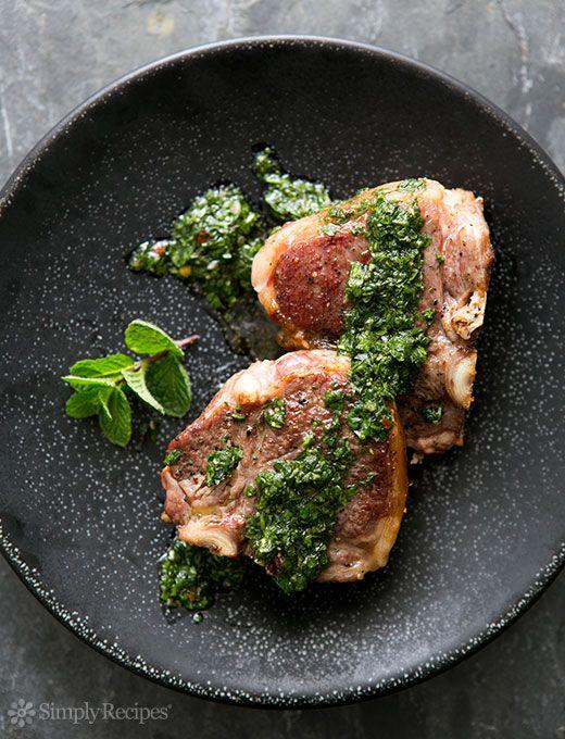 Chuletas de Lomo de Cordero con menta chimichurri Receta | Simply Recipes