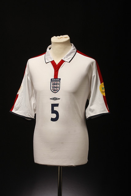 England Football Shirt (Home, 2003-2004)