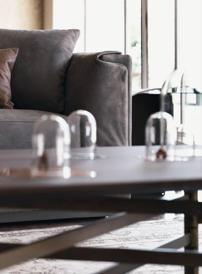 Raffinato, funzionale, personalizzabile. Il nostro divano Gentleman da 2 o 3 posti. Design by Carlo Colombo  http://www.flou.it/it/mood2014/gentlemansofas  Elegant and customizable. Our sofa Gentleman. Design by Carlo Colombo  #sofa #homedecor #home #arredamento #arredo #divani