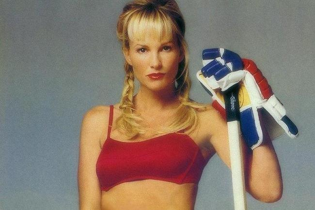 Janet Gretzky is pictured.