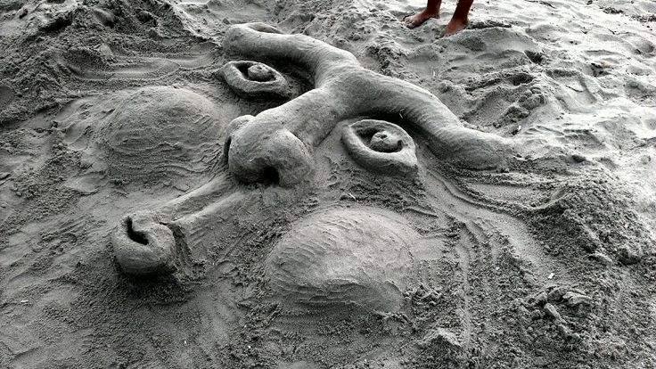 .Visioni di sabbia. .2013. ( Sulle spiaggie della Sardegna, io la mia mente e la sabbia al posto della china)