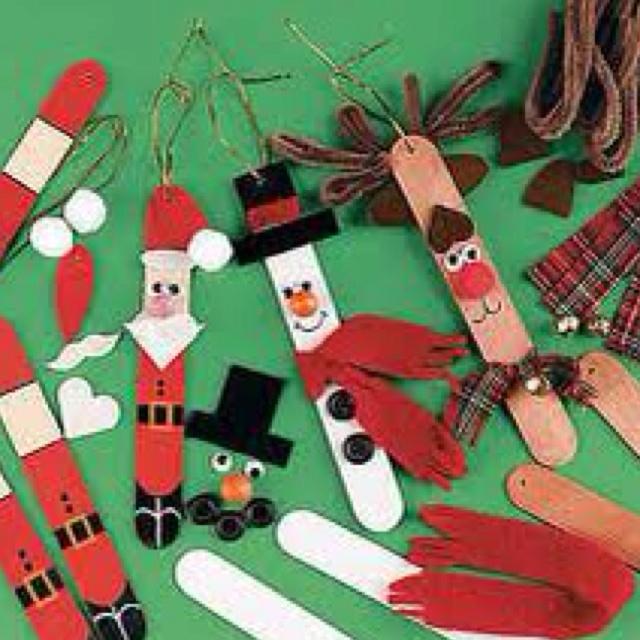 Knutselopdracht - Kerstman, sneeuwpop en rendier gemaakt van ijsstokjes