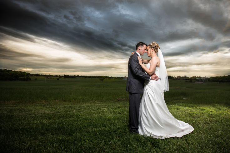 Wedding Photography Tips Flash: Wedding Off Camera Flash Portrait With The Bride And Groom