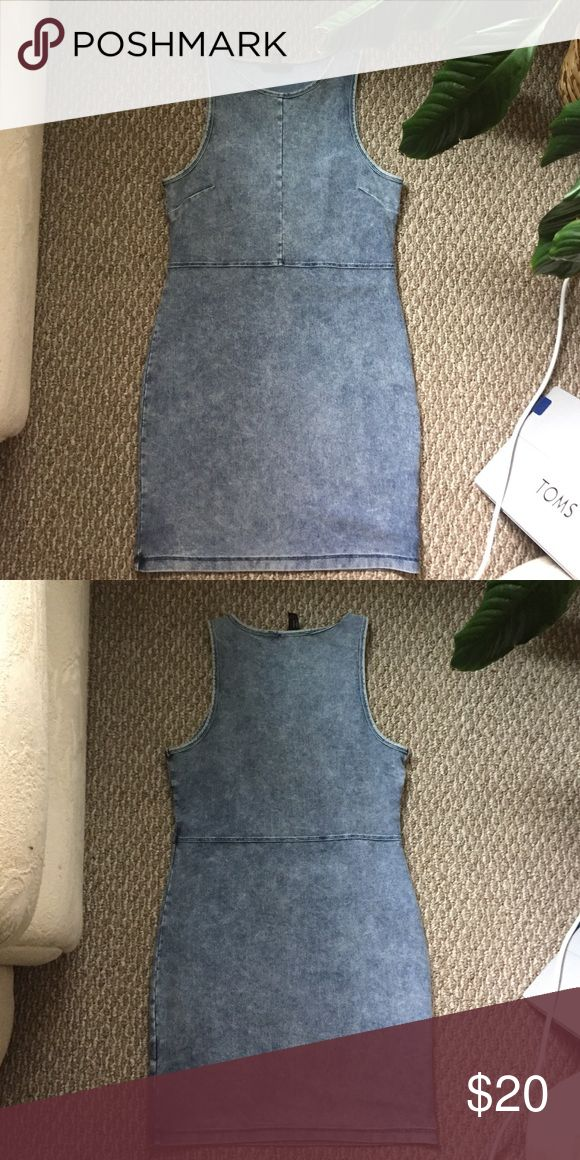 Denim Bodycon dress Barely worn bodycon denim dress from forever21. Bought and only worn once. Looks like it came straight off the rack Forever 21 Dresses