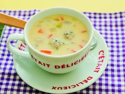 具だくさんクリームスープ   ディルの香りが爽やかな肉だんごと野菜のスープは、パンケーキにぴったり。大きめのカップでたっぷり食べましょう。