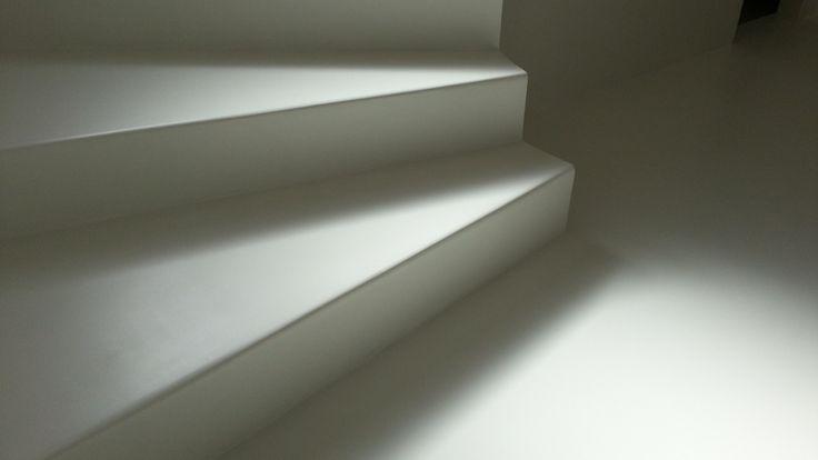 Műgyanta burkolat lépcsőkre