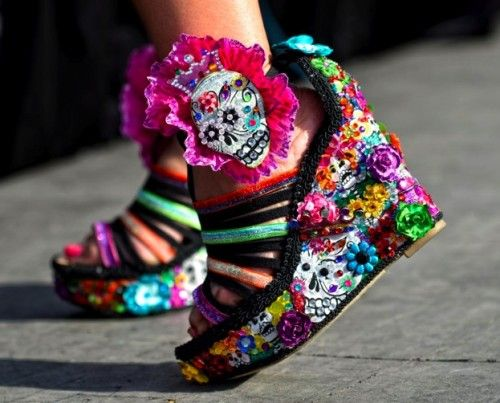 Fiesta Fun : 15 Bizarre-Looking Shoes Nobody Should Ever Wear | TOAT
