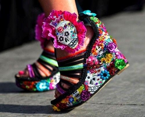 Fiesta Fun : 15 Bizarre-Looking Shoes Nobody Should Ever Wear | TOAT