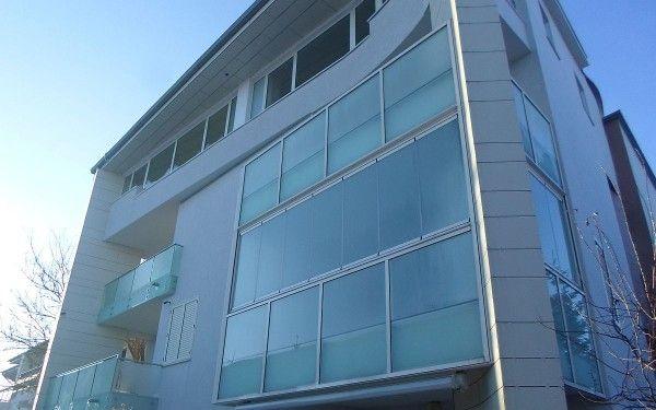 http://www.glass-elements.ro/produse/fatade-din-sticla-pe-structura-de-perete-cortina/