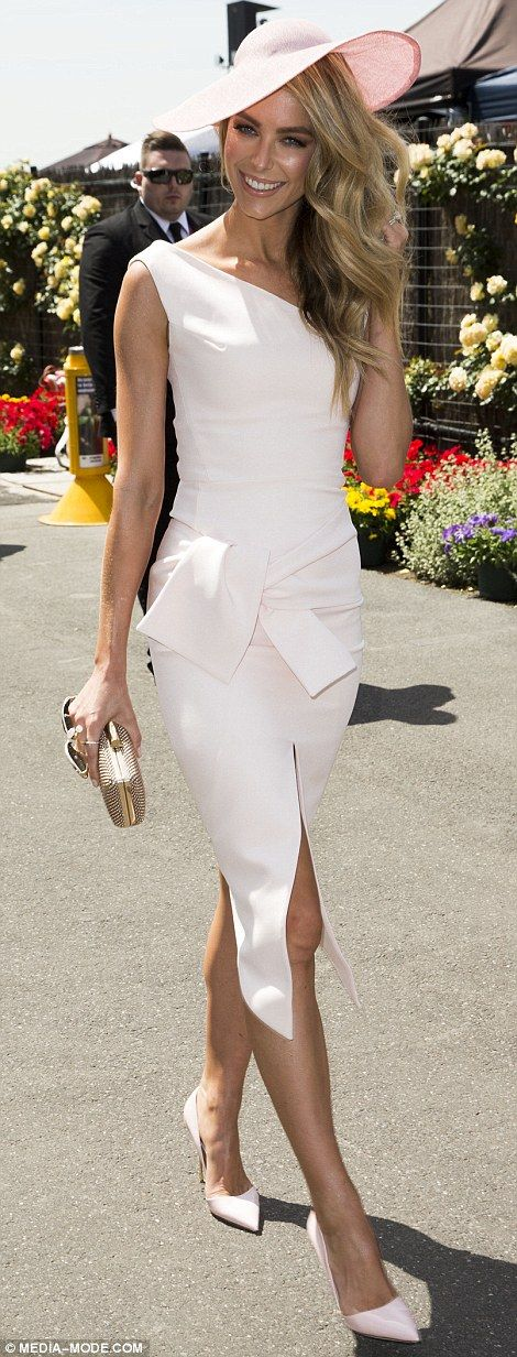 Lady like for Ladies Day! Jennifer Hawkins stunned in a fitted pale pink frock at Melbounre's Flemington Racecourse for Oaks Day 2014