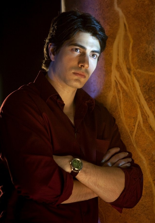 Brandon Routh ! Mostly known as Clark Kent from Superman Returns and as Daniel Shaw from the series Chuck